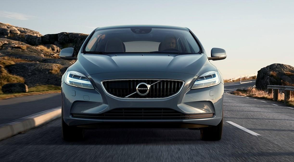 Концерн Volvo розповів про нові можливості V40 і V40 Cross Country - офіційний представник Winner в Україні