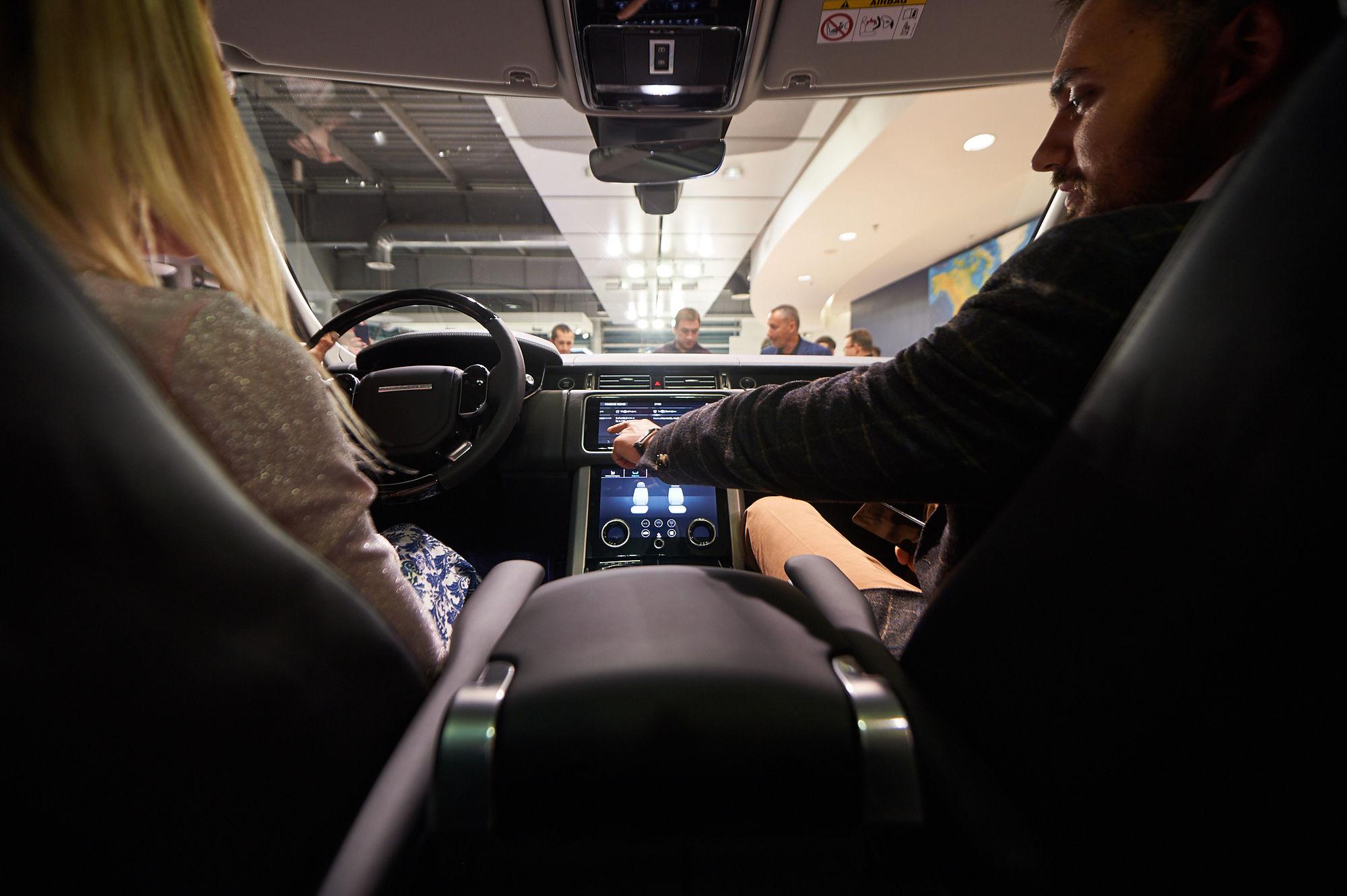 Оновлений Land Rover Range Rover вже в Україні! - офіційний представник Winner в Україні
